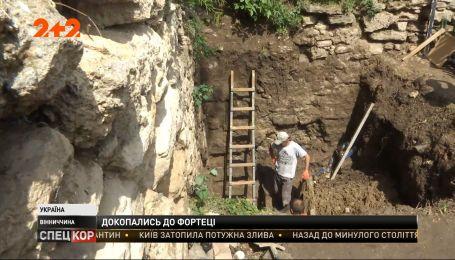 Фортецю, якій понад 500 років, узялися відновлювати у Вінницькій області