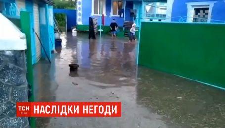 Затоплені городи та хати: у Вінницькій області пройшла потужна злива