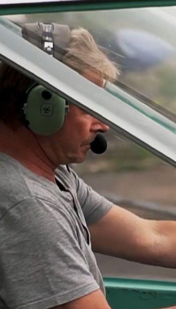 Фермер на собственном самолете наблюдает за пожарной ситуацией в лесах Волыни