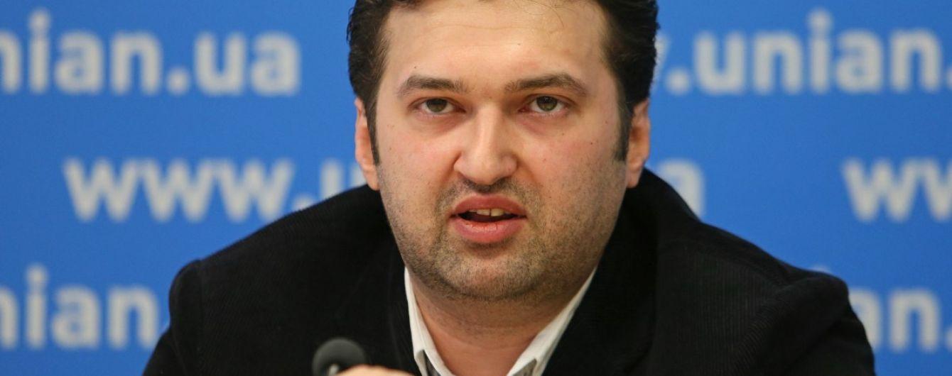 Политолог: Медицинская реформа должна быть вынесена на рассмотрение Рады реформ и Верховной Рады