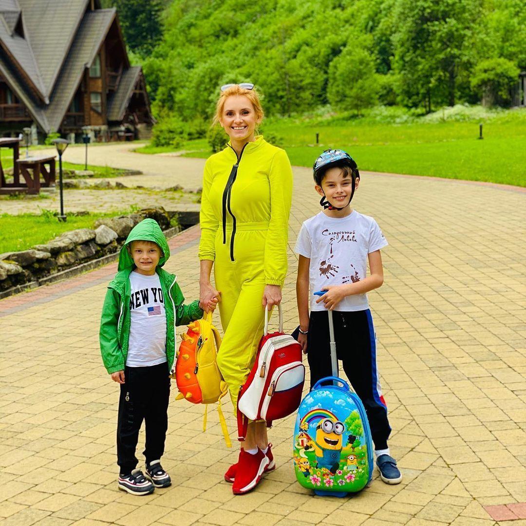 Ірина Федишин з дітьми