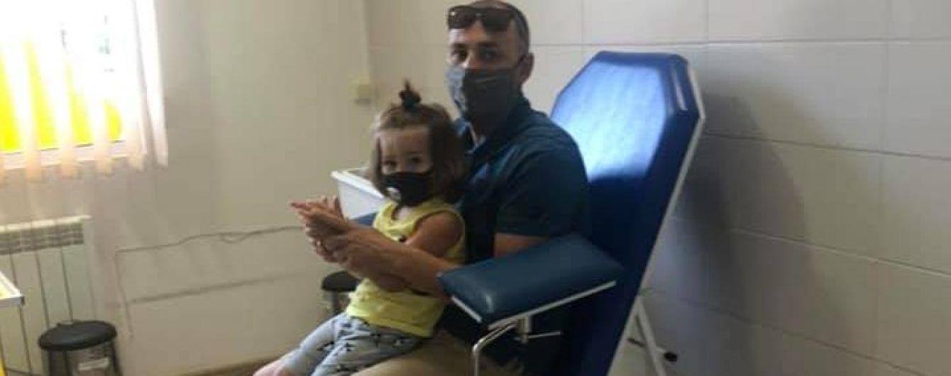 Симптоми з'явилися за місяць: у Дніпрі в дівчинки виявили хворобу Лайма після укусу кліща
