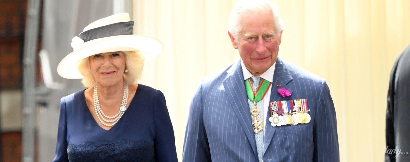 У мереживній сукні і капелюсі: герцогиня Корнуольська одягла на зустріч з Еммануелем Макроном ефектне вбрання