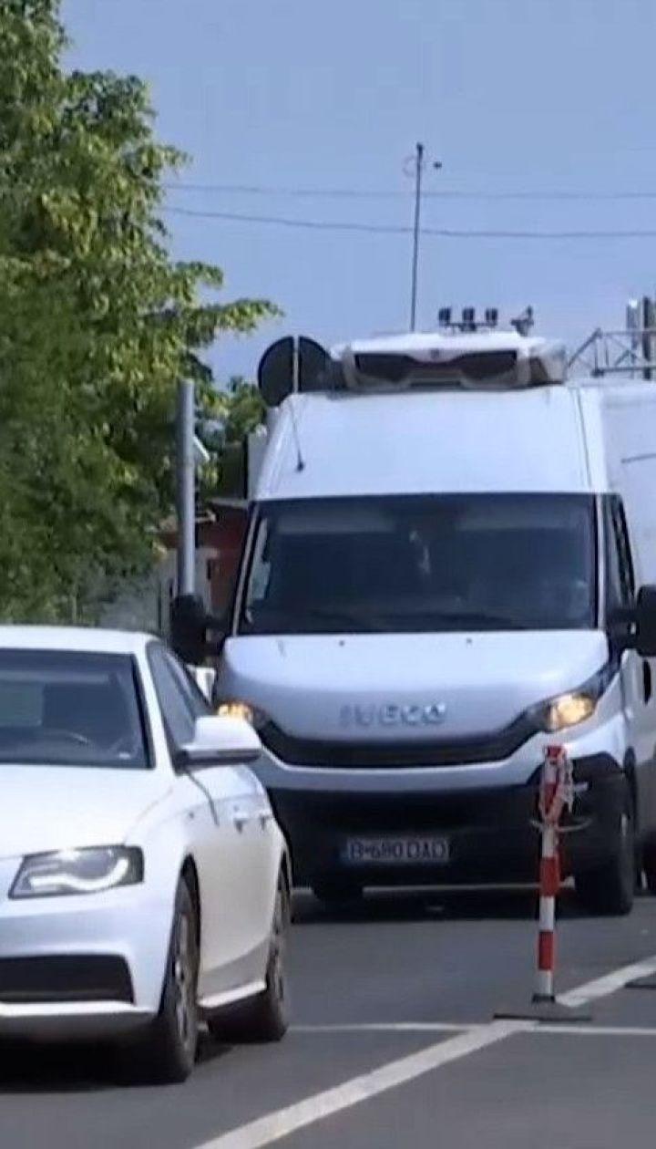 На грецькому кордоні утворилися довжелезні черги з туристів, охочих потрапити на відпочинок
