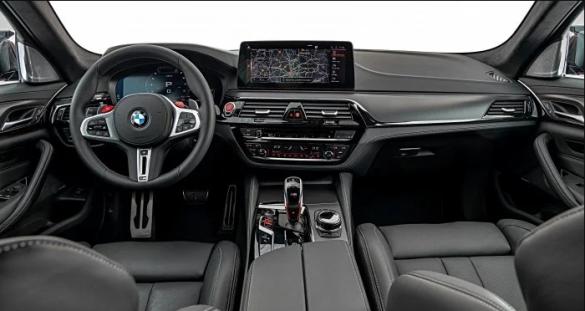 BMW M5, салон