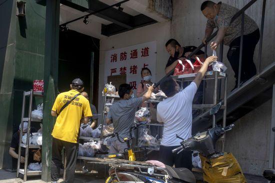 Коронавірус з ринку Пекіна старший за поширені штами у Європі- епідеміолог