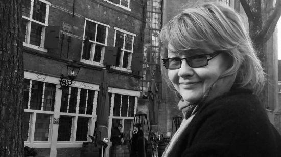 Прощання з головною продюсеркою ТСН Оленою Несміян у Спасо-Преображенському соборі у Києві: онлайн