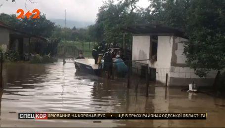 У Польщі та Румунії негода затоплює цілі села