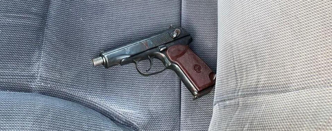 В Днепре злоумышленник во время задержания застрелил полицейского