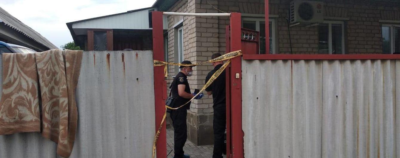 В Луганской области произошел взрыв неизвестного устройства в доме: погибли двое людей