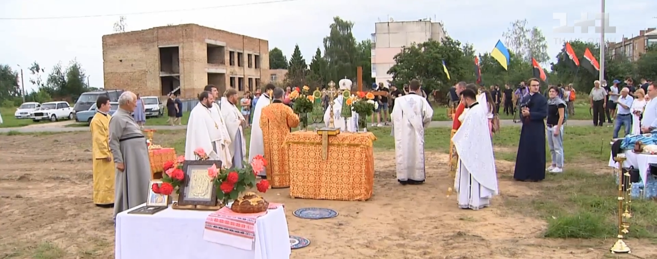 У селі Київської області виник конфлікт через зведення нового храму ПЦУ