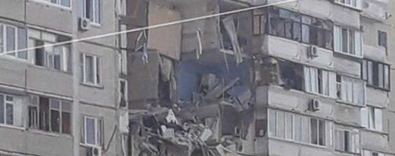 В Киеве произошел взрыв в многоэтажке: в Сети опубликовали видео разрушенных квартир