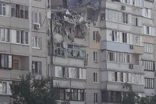 В Києві стався вибух в багатоповерхівці: в Мережі опублікували відео зруйнованих квартир