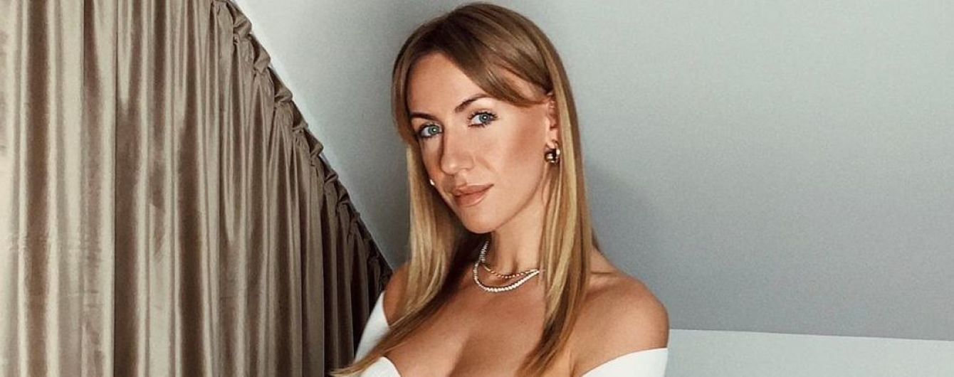 Блондинка в червоному топіку: Леся Нікітюк показала, який вигляд мала в 17 років