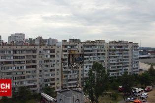 Как выглядит разрушенный взрывом дом в Киеве с высоты птичьего полета