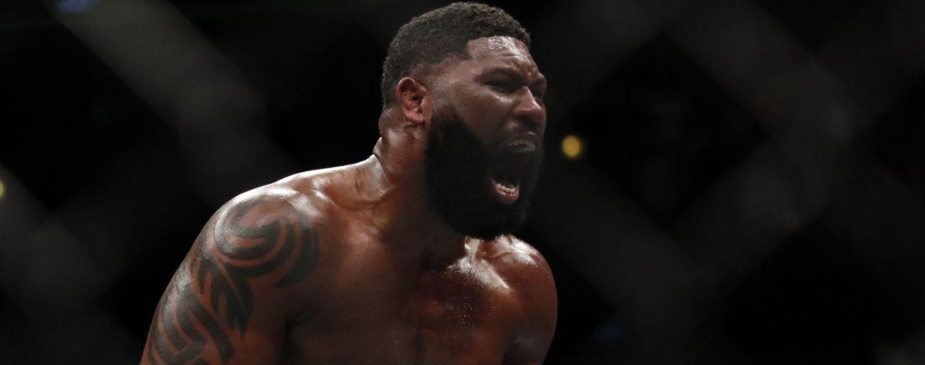 Американский боец с потрясающим рекордом победил россиянина на турнире UFC