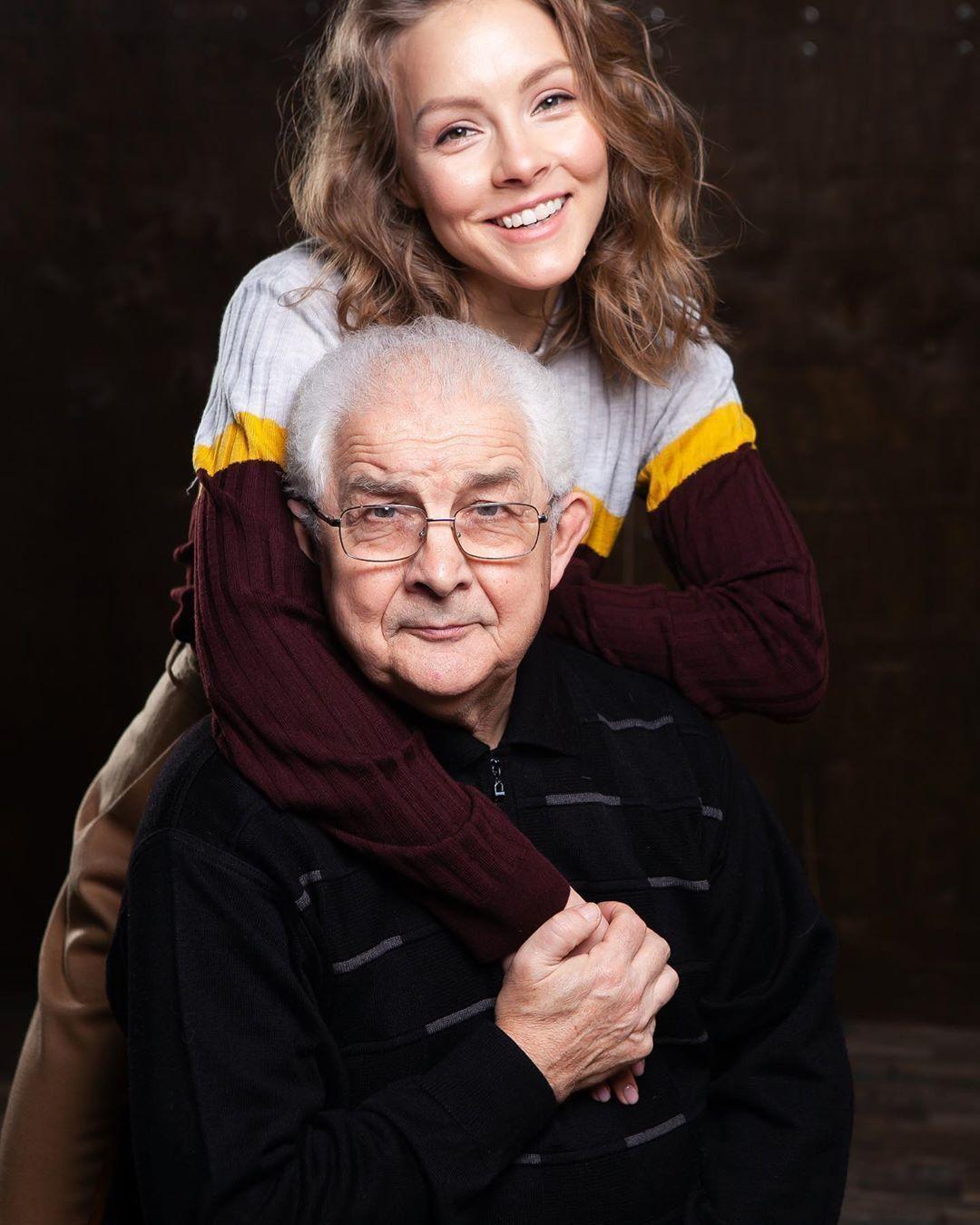 Олена Шоптенко з татом