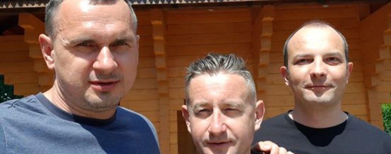 Сенцов, Соболев и Жадан поехали на линию столкновения