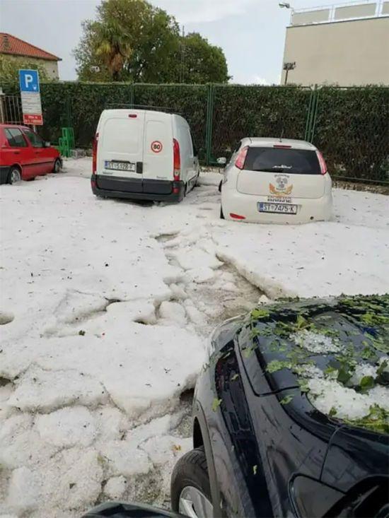 На курорті Хорватії випав сніг