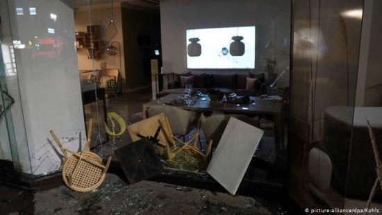 Масові заворушення у Штутгарті: потрощені і розграбовані магазини, поранені 19 поліцейських