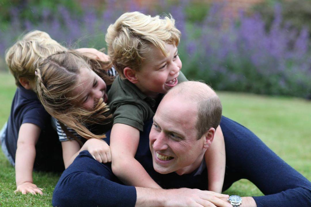Принц Уильям с детьми_2