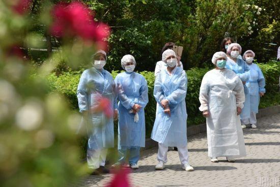 Коронавірус в Україні за добу виявили у майже 700 людей: статистика МОЗ на 22 червня
