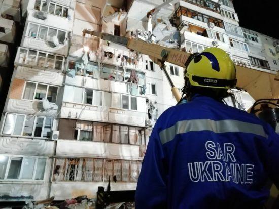 Вибух будинку на Позняках: троє загиблих, рятувальники продовжуть розбирати завали