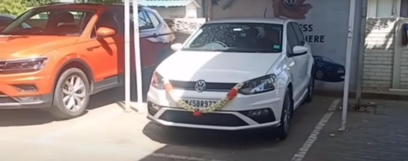Власник Volkswagen розбив своє авто, щойно його придбавши: відео