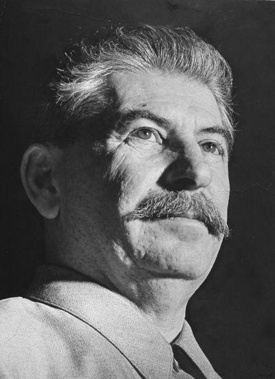 Житель Москви вішав портрет Сталіна і помер