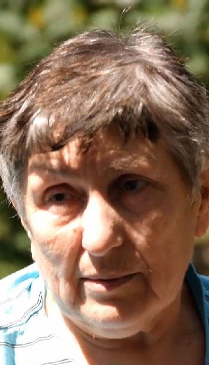 Життя після полону: найстарша бранка бойовиків на Донбасі вимагає надати їй оселю