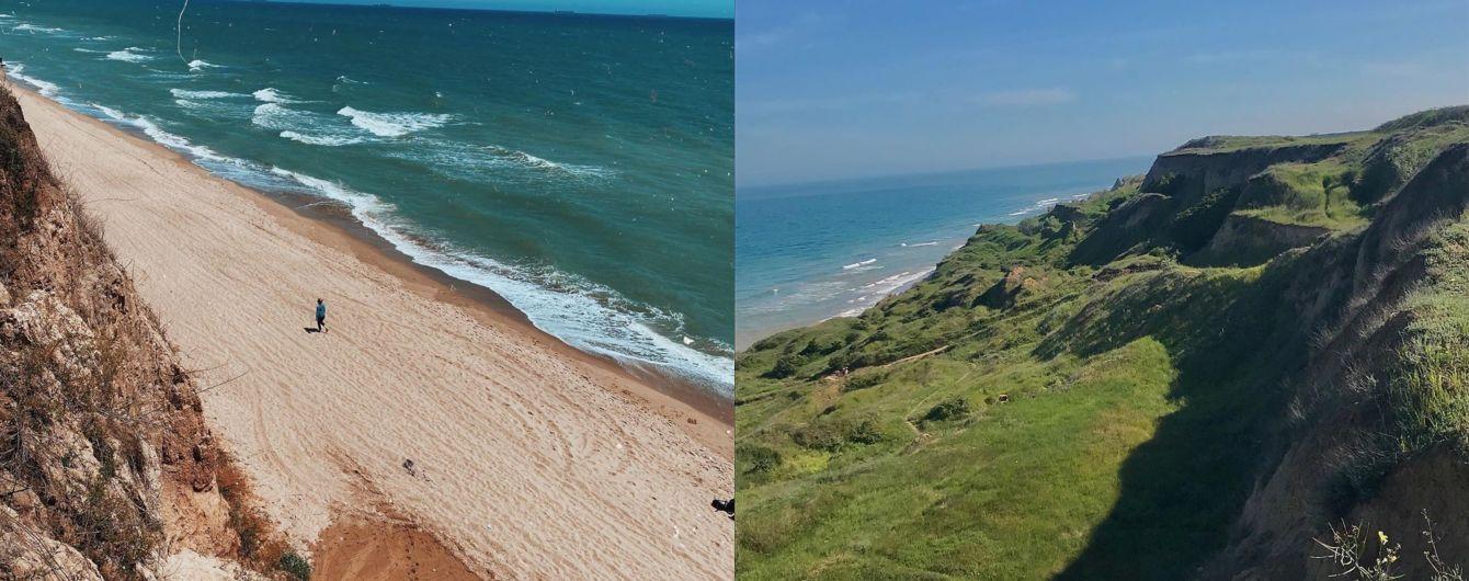 Живописный утес прямо над морем: отпуск с итальянским пейзажем в одесском селе Санжейка