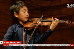 Наймолодший скрипаль підписав контракт із престижним британським лейблом