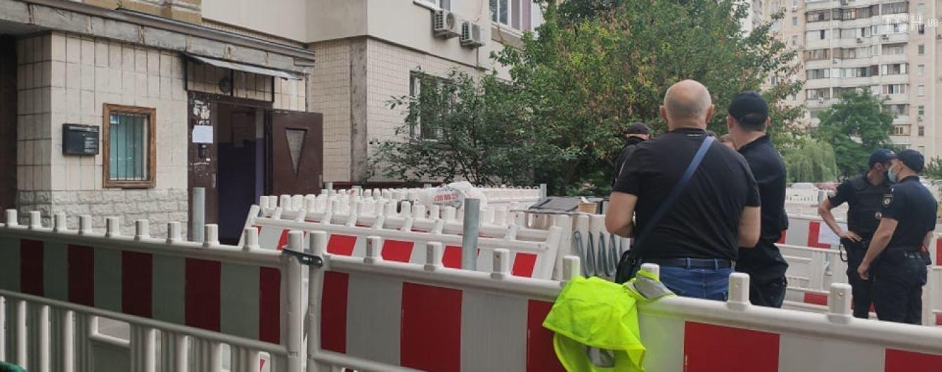Вибух в будинку на Позняках: мешканцям аварійного під'їзду дозволили винести необхідне з квартир