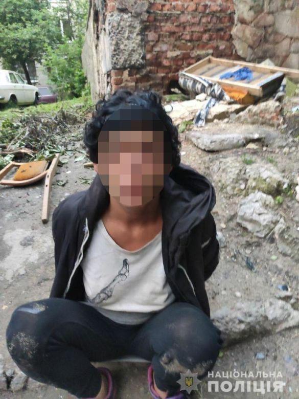 Жінка порізала ножем чоловіка Львів