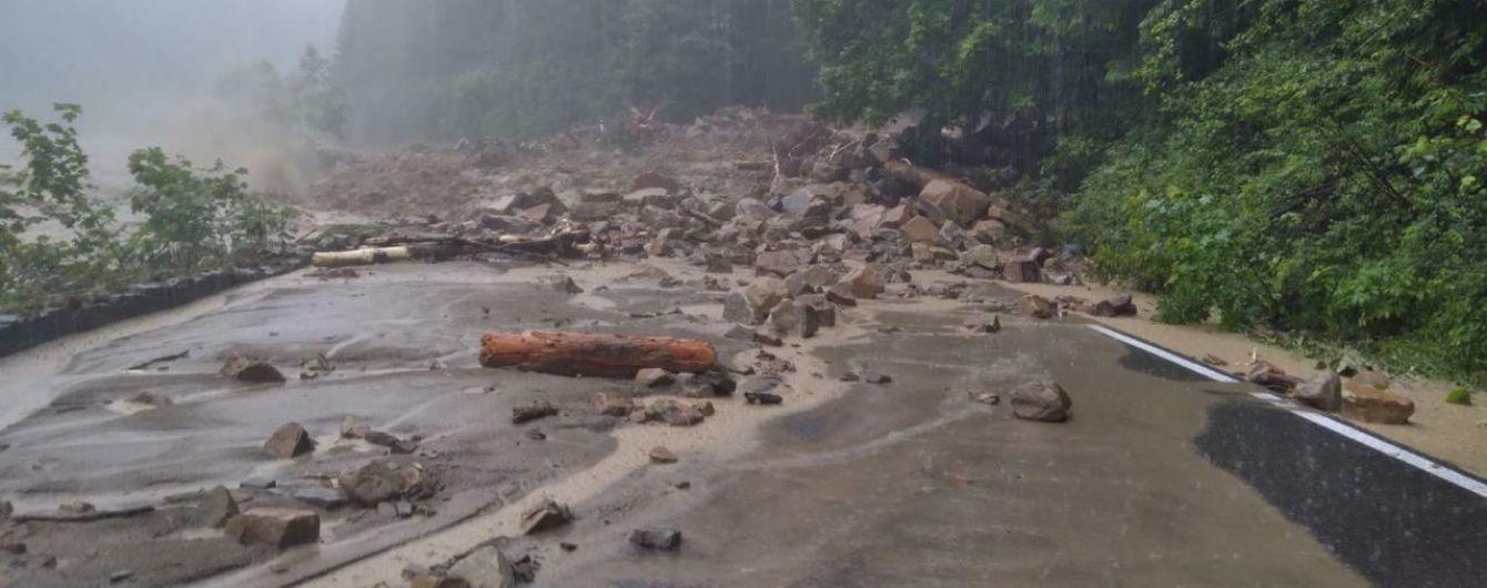 """125 миллионов """"смыло"""" водой: на Закарпатье подсчитали убытки от наводнения"""