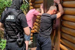 Шахраї використовували бази даних поліції для виманювання коштів в українців