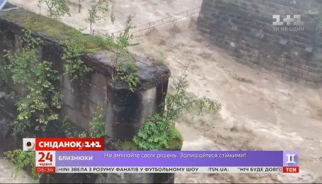 Западная Украина тонет: сразу несколько областей страдают от мощных паводков
