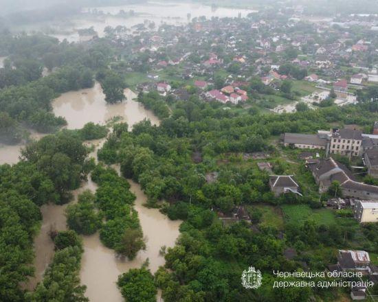 Є евакуйовані, деякі відмовляються від евакуації: голова Чернівецької ОДА про ситуацію з паводками