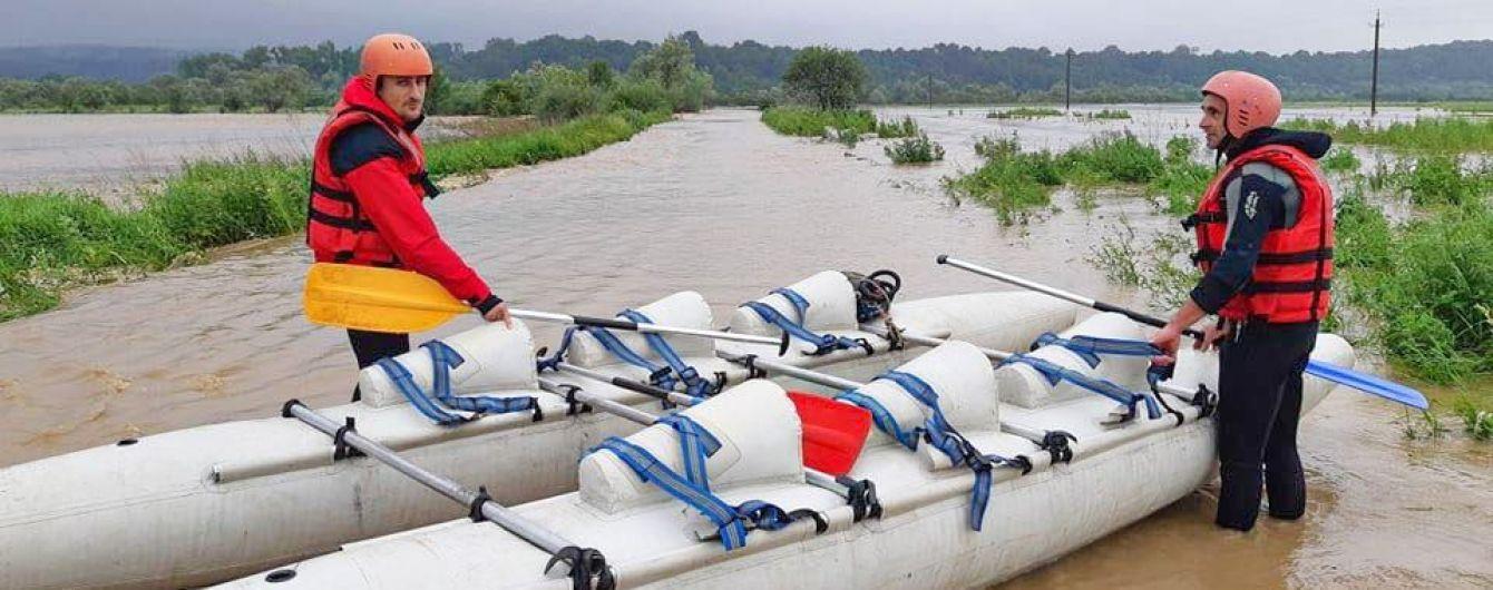 Кличко готовий відправити рятувальників на допомогу в боротьбі з паводками на заході України