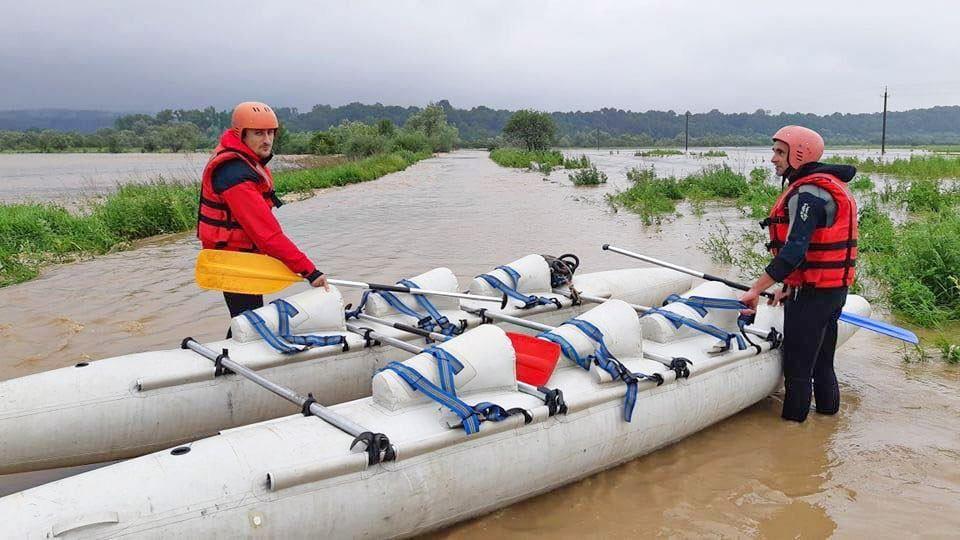 Паводок, рятувальники