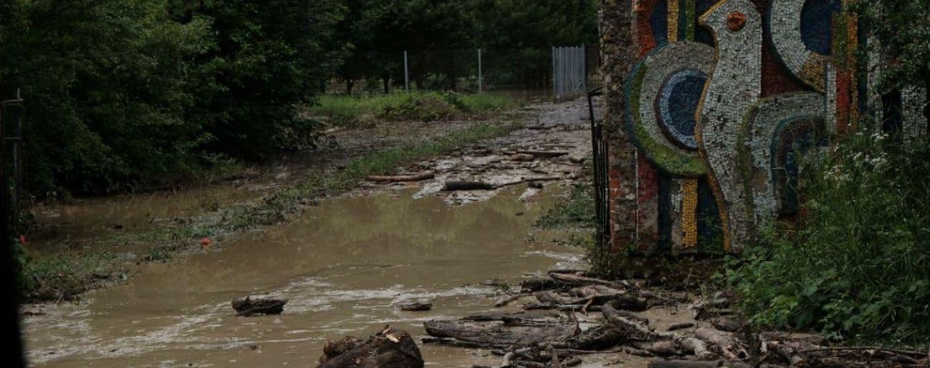 Паводок отступает: в Ивано-Франковске уже на 1,5 метра упал уровень воды в реках