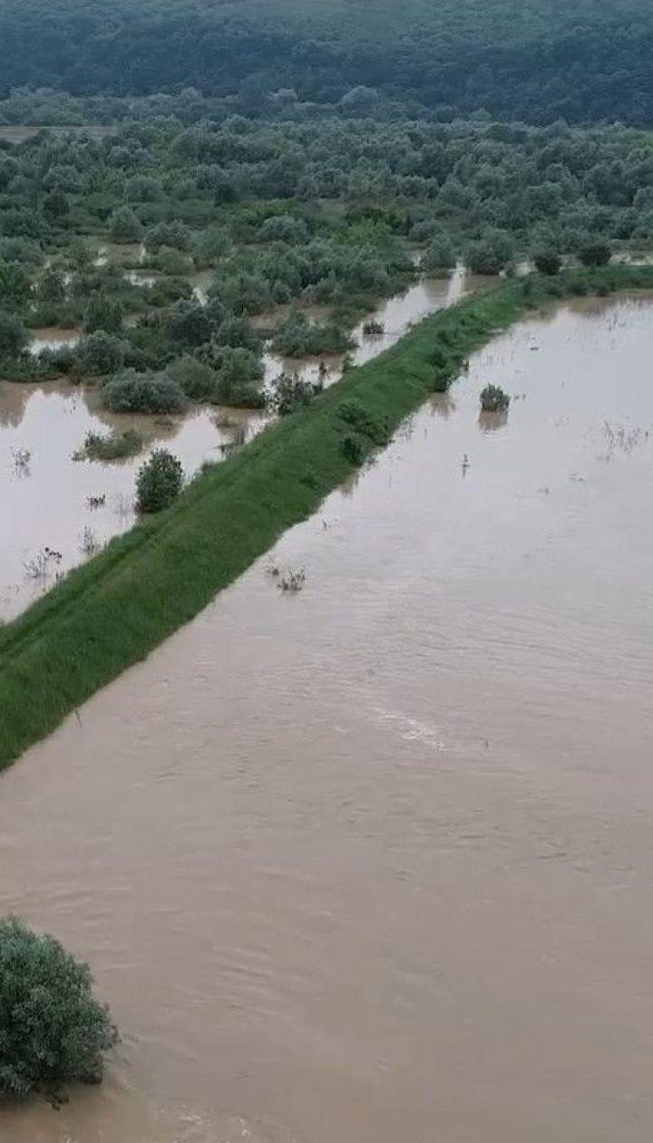 На Прикарпатті та Буковині випали найпотужніші опади за останні 20 років