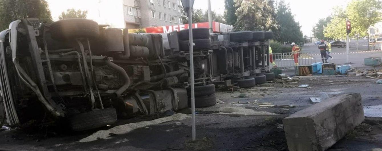 В Днепре микроавтобус с пчелами столкнулся с грузовиком: погиб мужчина и мальчик