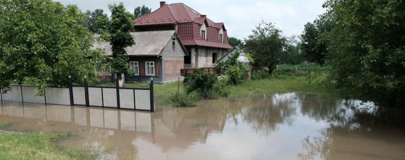 Паводок в Тернопольской области: эвакуированы 150 жителей затопленных сел