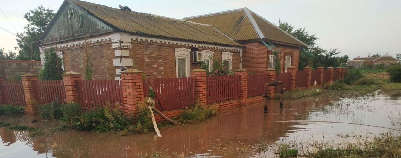 Сильні опади призвели до підтоплень будинків в Урзуфі