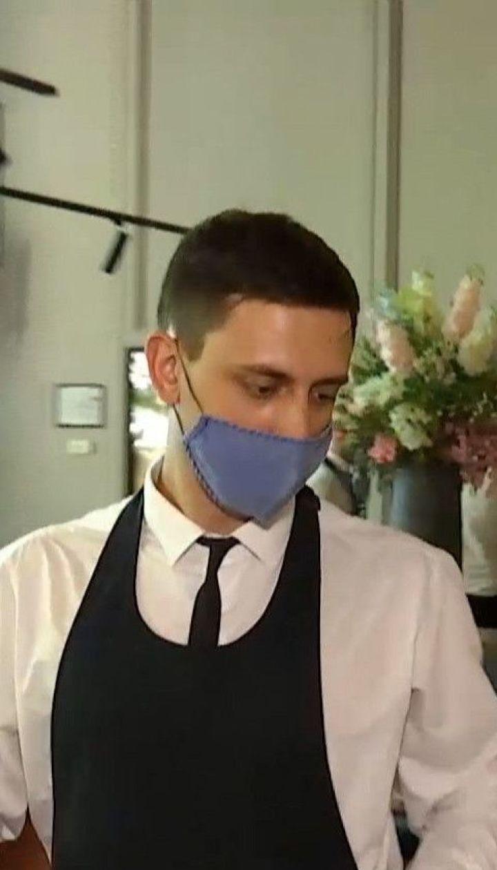 В Киеве разрешили открыть закрытые помещения в кафе и ресторанах, но с новыми правилами