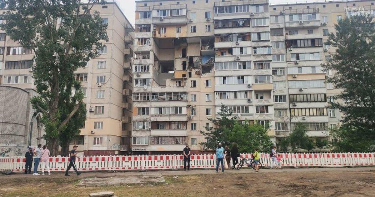 Дом, который взорвался в Киеве на Позняках, снесут за 14 млн гривен