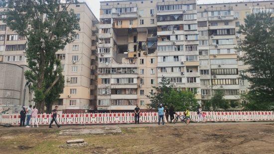 """""""Немає пред'явлених підозр жодній особі"""": Геращенко назвав основну версію вибуху в будинку на Позняках"""