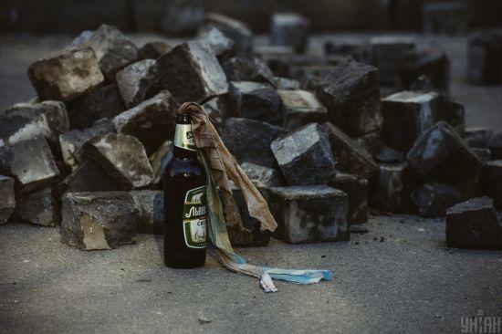 У Херсонській області чоловік кинув коктейль Молотова у кухню, щоб налякати родину: донька отримала опіки