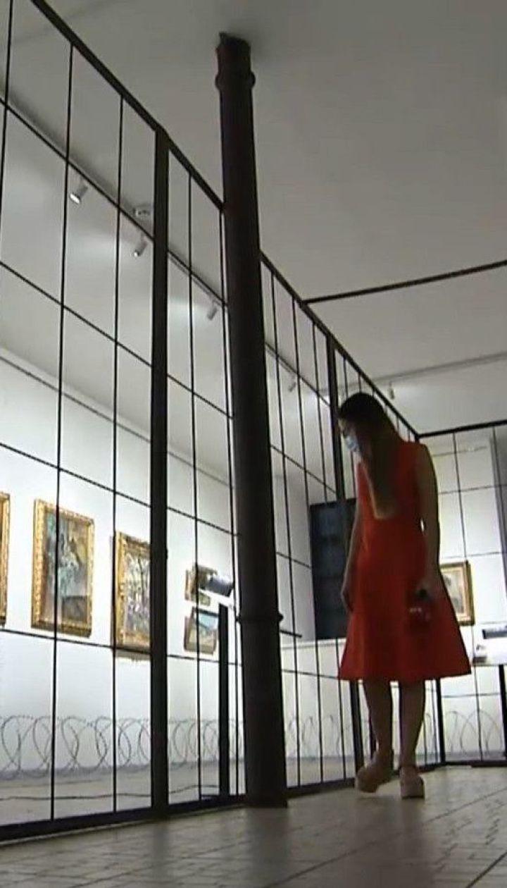 ГБР снова наведалось в музей Гончара, где хранятся картины Порошенко